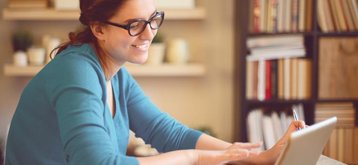Professora utiliza plataforma digital de aprendizagem