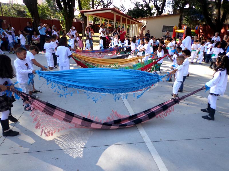 2016: Na Festa na Aldeia, a EMEI Nelson Mandela homenageou os povos indígenas.