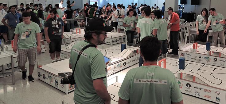 Alunos disputam parte prática da Olimpíada Brasileira de Robótica