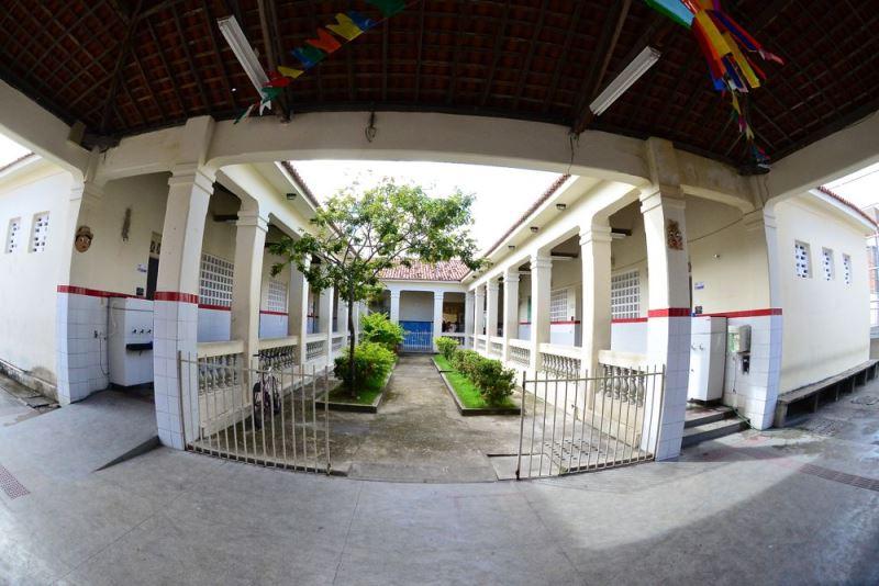 Pátio da Escola Estadual Rodrigues Dórea, em Aracaju