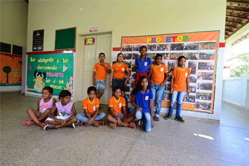 Estudantes da Escola Rural Povoado Cabrita, que recebeu formação do projeto Aula Digital