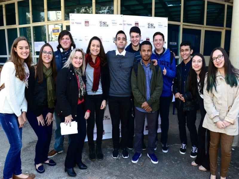 Jovens participantes do evento