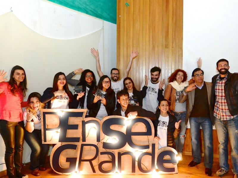 Voluntários do Grupo Telefônica, equipe das ETECs e do ImpacHub