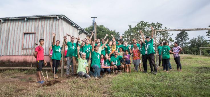 Grupo faz oficina em comunidade ribeirinha no Amazonas
