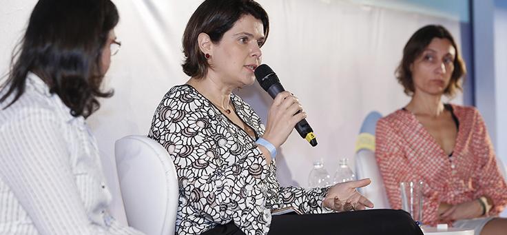 Mila Gonçalves, gerente de projetos da Fundação, foi uma das palestrantes do primeiro painel, centrado em práticas pedagógicas.