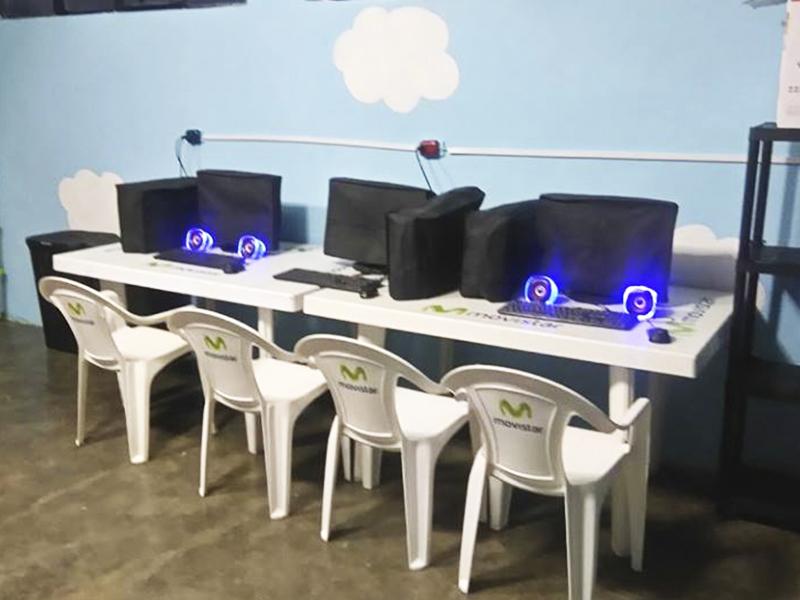 Sala de informática da escola Molino de Carmen, no Peru
