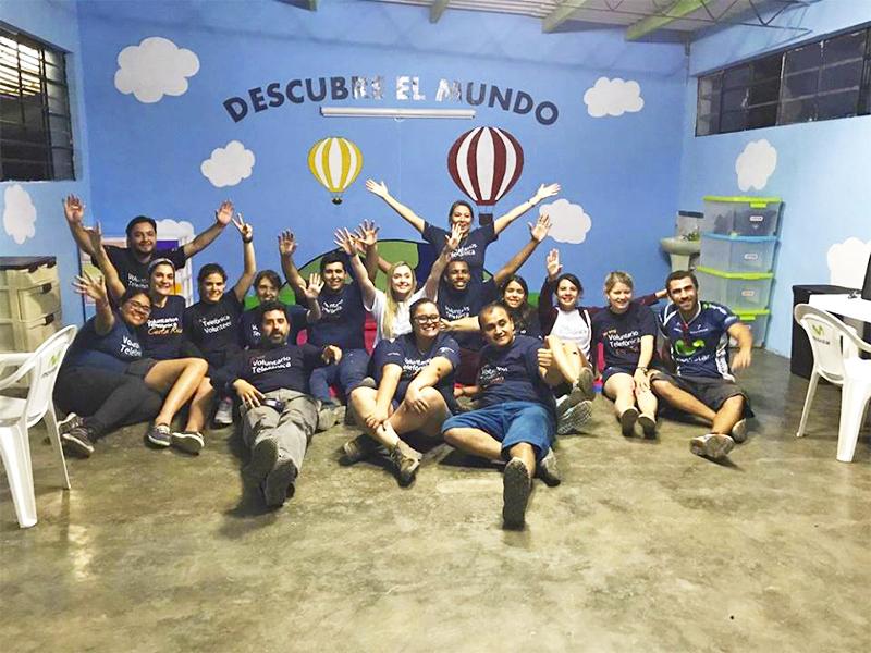 Voluntários na escola Molino de Carmen, no Peru