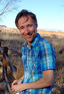 Dominic Barter especialista em Comunicação Não-Violenta