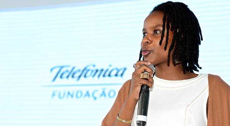 Monique Evelle participa do lançamento do Inova Escola na Bahia na no Colégio Estadual Norma Ribeiro