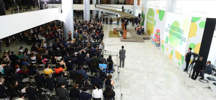Imagem do salao cheio de pessoas na entrega do prêmio Viva Voluntário em Brasília