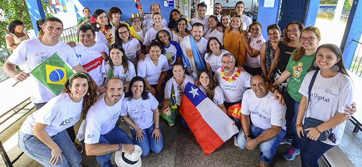 Por duas semanas 17 voluntários do Grupo Telefônica de 9 países trabalharam para transformar a Escola Municipal Lili Benchimol