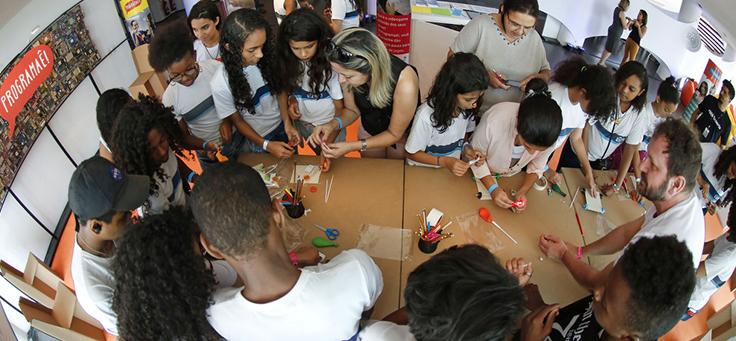 Cerca de 15 jovens de escolas públicas participam de oficina do Programaê no Educação 360