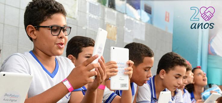 Criada em 1999, a Fundação Telefônica Vivo se fortalece ao apoiar os eixos de educação, voluntariado e empreendedorismo social e promover a inovação educativa.