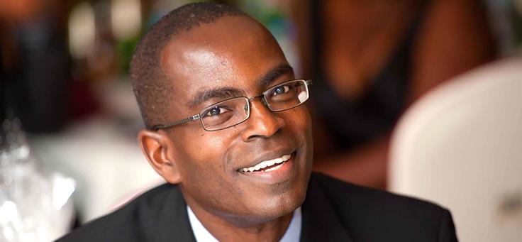 Foto de perfil do palestrante ganês Patrick Awuah Jr