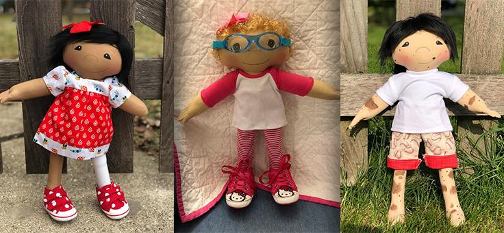 Montagem traz três bonecas produzidas pela voluntária