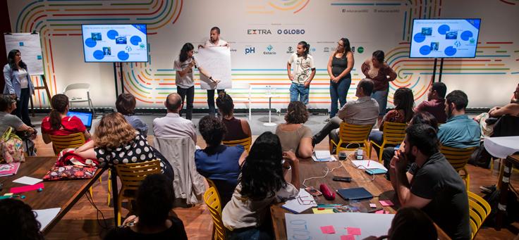 Participantes do evento Educação 360 apresentam propostas em grupos