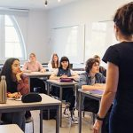 Novas diretrizes curriculares para formação docente aproximam teoria e prática pedagógica